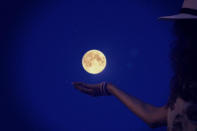 月星座=金脈?「お金の引き寄せ力」を高めて自分をレベルアップ!
